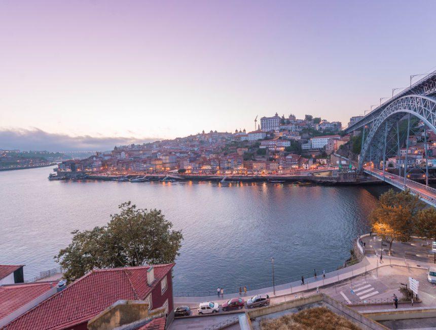 Dom Luis I Brücke Porto Aussichtpunkt