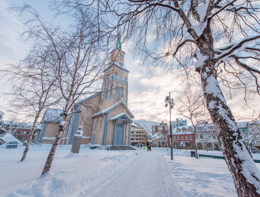 Dom zu Tromsø sehenswuerdigkeiten Norwegen