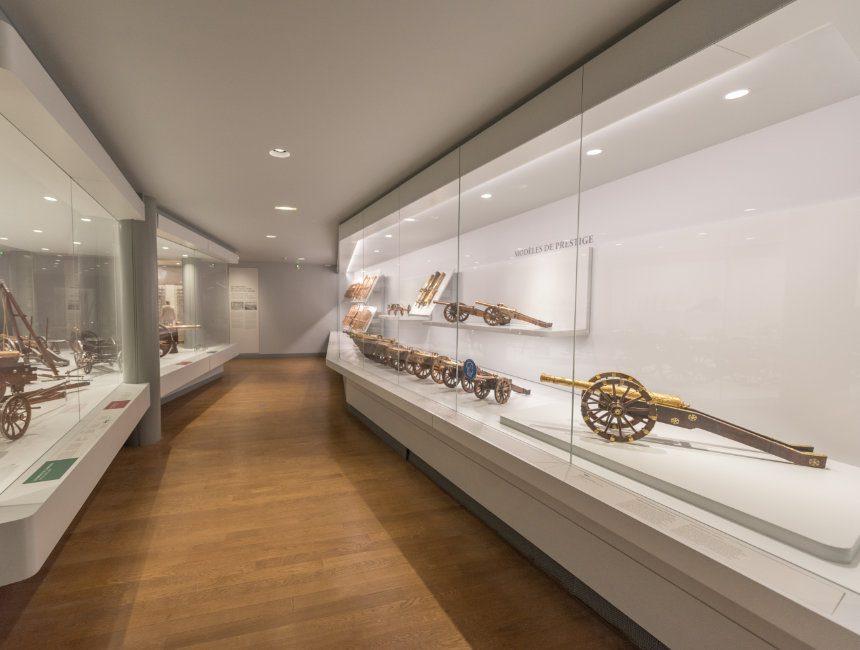 Kabinett der außergewöhnlichen Gegenständen Dome des Invalides