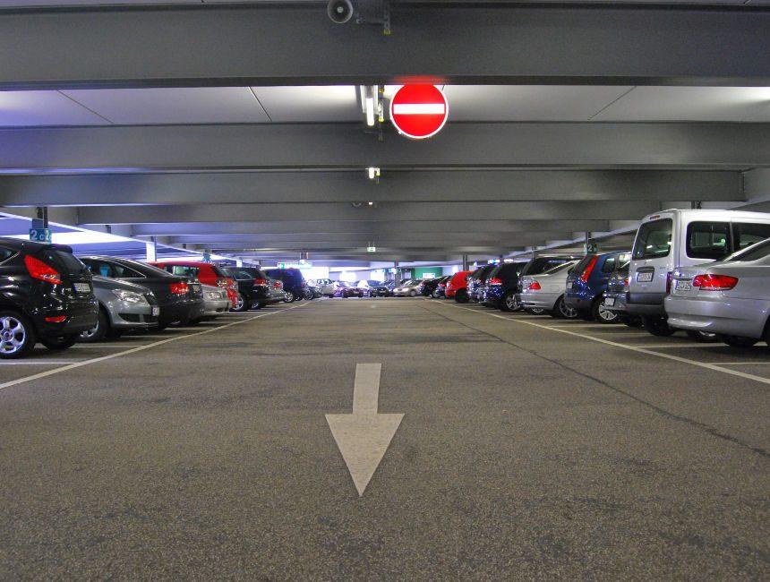 Guenstig parken Bruessel Flughafen